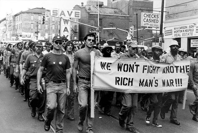 "1970年,越战老兵抗议越南战争: ""We will not fight another rich man's war"""